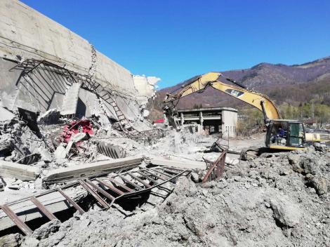 Hunedoara: A fost găsit şi al doilea muncitor prins sub molozul provenit în urma prăbuşirii unui turn de extracţie de la Exploatarea Minieră Uricani; ambii sunt morţi