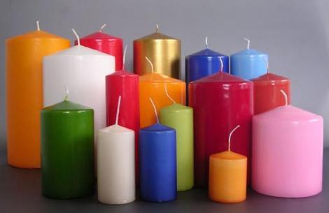 Lumânările albe au rolul de protecție, pe când cele roșii de îndeplinire a dorințelor. Ce lumânare trebuie să aprinzi, pentru  atingerea scopului tău!