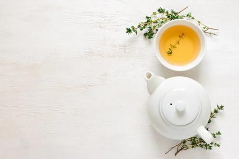 10 ceaiuri cu proprietăţi medicinale incredibile