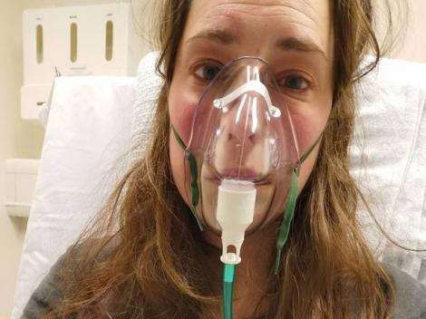 """""""Nu-mi vine să cred că am ieșit din spital pe picioare, nu într-un sicriu!"""" O tânără mamă povestește cum a fost """"făcută praf"""" de coronavirus"""