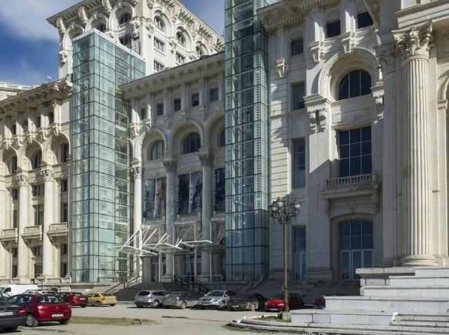 Ministerul Culturii susţine achiziţia de lucrări de artă contemporană prin MNAC, căruia îi va suplimenta bugetul cu 2 milioane de lei