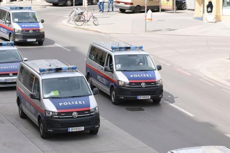 Alertă teroristă în Viena! Preşedintele austriac, Alexander Van der Bellen, evacuat în urma unei amenințări cu bombă