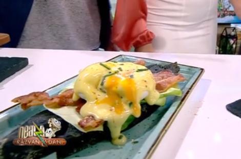 Ultimul concurent din competiția Neața la cuțite, Răzvan Simion a surprins cu Rețeta de mic dejun - Ouă Benedict