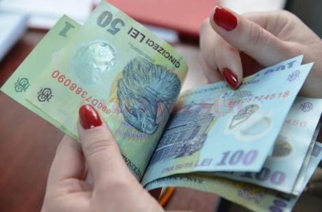 Oficial! Cresc salariile pentru acești români! Câți bani vor primi în plus, în fiecare lună