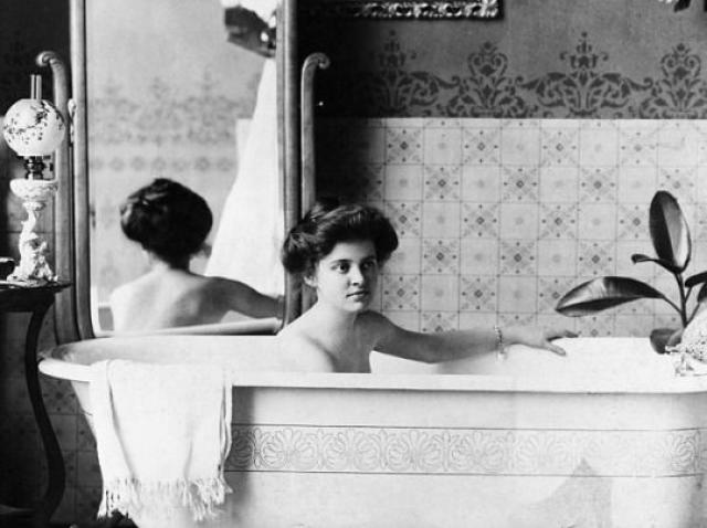 """Scurtă istorie a igienei: despre săpun, """"suratele"""" lui și toate câte a pătimit curățenia"""