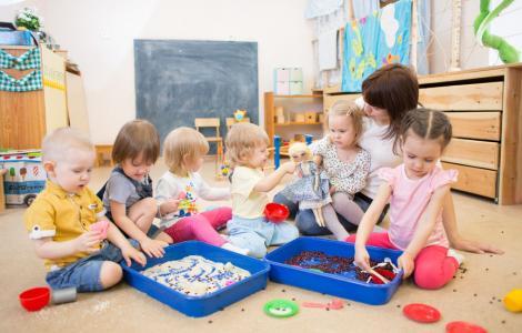 """Creșele și centrele after-school, redeschise?! Anunțul de ultimă oră făcut de ministrul Muncii: """"Am găsit soluția pentru părinții care trebuie să revină la muncă!"""""""
