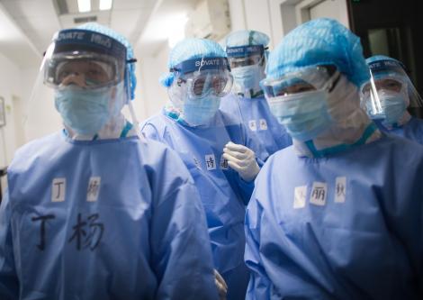 """România trimite pe """"front"""", în Italia, o echipă de medici şi asistenţi medicali"""
