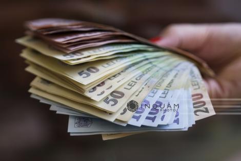 Comunitatea Declic îi solicită lui Klaus Iohannis plafonarea pensiilor speciale până la suma de 4.000 de lei, până la sfârşitul acestui an