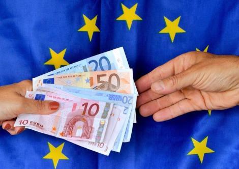 """Ministrul Fondurilor Europene anunţă """"creşterea până la un miliard de euro a sumei alocate relansării operatorilor economici"""""""