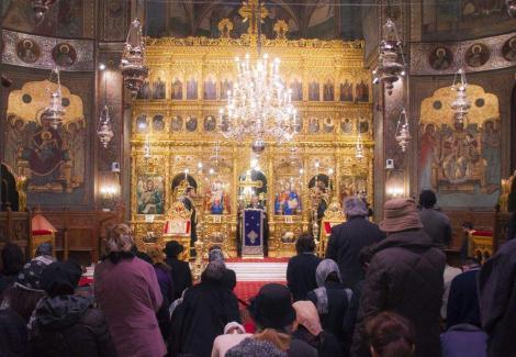 """Cum se vor ține slujbele la biserici, după 15 mai! Ce va fi obligatoriu pentru credincioși! Klaus Iohannis: """"Va fi obligatoriu!"""""""
