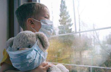 """Trei copii cu un sindrom rar, care ar fi asociat COVID-19, au murit. Medicii, în alertă: """"Investigăm intens alte 100 de cazuri!"""""""