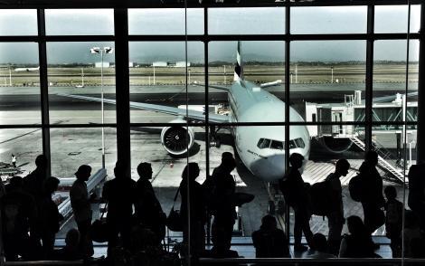Reguli noi pentru cei care călătoresc cu avionul. SRI a anunțat modificări importante. Ce va fi permis, în următoarea perioadă?