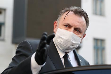 """""""Vom interveni și vom impune restricții!"""" România s-ar putea întoarce în izolare! Ministrul Sănătății, vehement, după evenimentele din ultimele 48 de ore"""