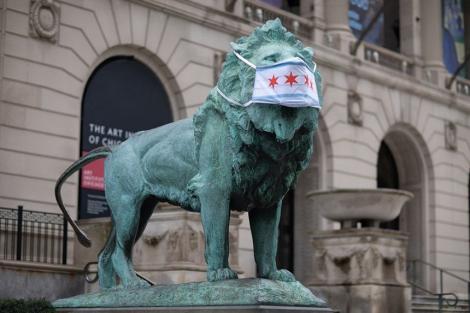 Muzee din Chicago au pus măşti statuilor pentru a evidenţia importanţa protecţiei faţă de noul coronavirus