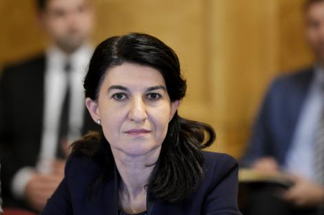 """Reacția ministrului Muncii după scandalul """"sparanghelului"""": """"Sunt condiții bune de muncă. Vom verifica cazarea înainte!"""""""