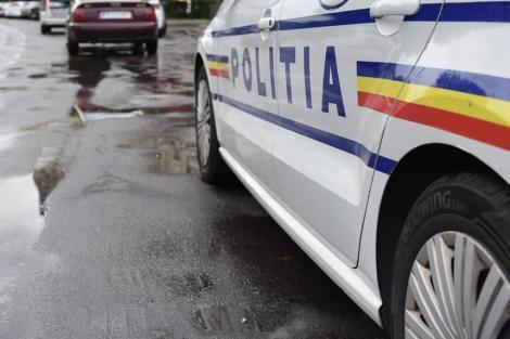 Dolj: Tânăr arestat preventiv după ce a condus o maşină cu număr fals fără permis