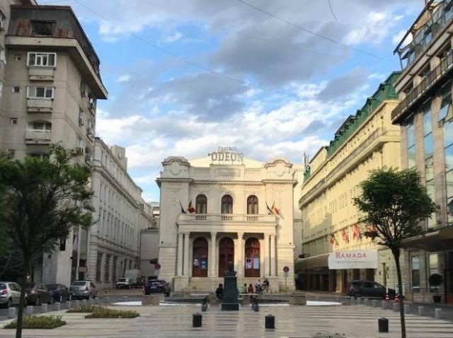 """Eseul video """"Farmecul discret al amintirii"""", regizat de Dragoş Galgoţiu, difuzat online de Teatrul Odeon"""
