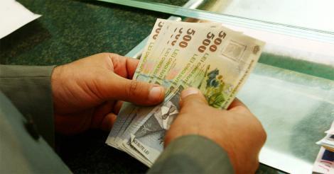 Veste excelentă pentru românii care au credite în lei la bănci. Rate mai mici în lunile următoare