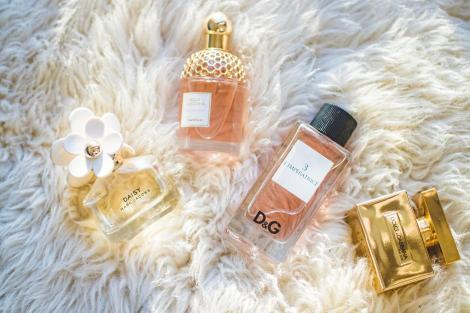 Ce parfum să alegi pentru ea? Care sunt cele mai celebre parfumuri?