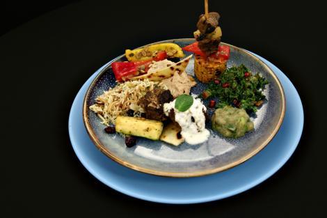 Delicii arăbești, grecești sau mexicane, pregătite cu ingrediente simple și accesibile! Ce rețete au impresionat la Titani la cuțite
