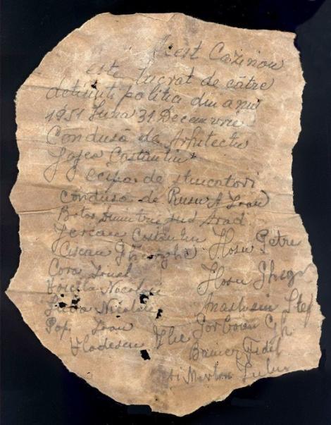 Constanţa: Mesaj al unor deţinuţi politic care au lucrat în anii '50 la repararea Cazinoului, găsit în timpul lucrărilor de reabilitare