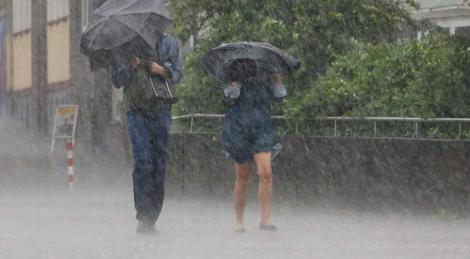Alertă meteo! Ploi torențiale și furtuni, în România! Este Cod galben! Zonele afectate, în următoarele zile