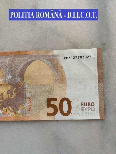 Percheziţii în Hunedoara pentru destructurarea unei reţele care plasa bani falşi pe piaţă