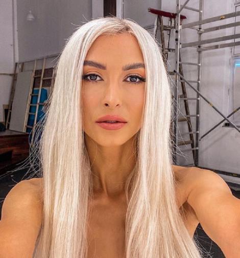 Andreea Bălan, dans periculos de sexy! Ce spectacol fierbinte a oferit frumoasa artistă fanilor | VIDEO