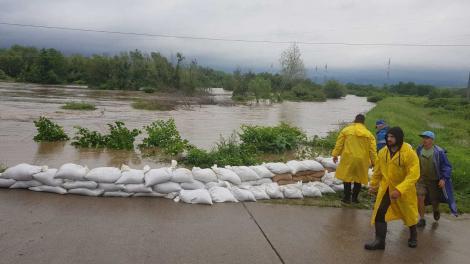 Potop în România: ANM a emis un nou Cod roşu de ploi. A fost transmis mesaj Ro-Alert către populaţie