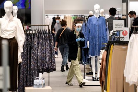 """Când s-ar putea deschide mall-urile! Ministrul Economiei a făcut anunțul: """"Vrem să aducem viața la normalitate mai repede"""""""
