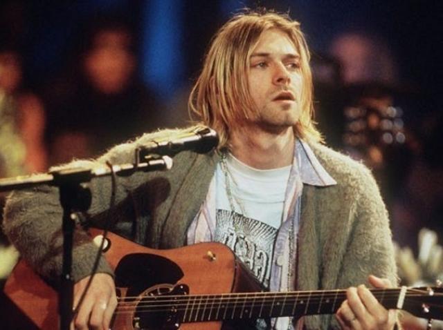 Chitara lui Kurt Cobain a fost vândută la licitaţie pentru șase milioane de dolari, un record