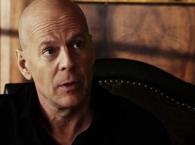 Bruce Willis, de la salvator al lumii la răufăcător într-un nou film
