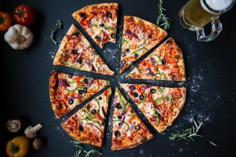 Pizza de casă. Rețeta incredibil de gustoasă din bella Italia