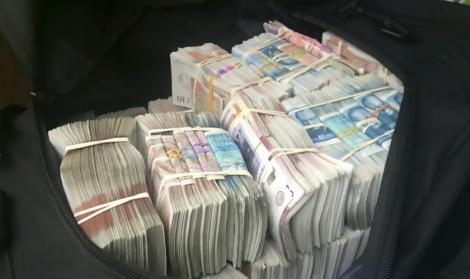 Se dau bani pentru studenți, masteranzi și doctoranzi! Granturi cu valoare de la 40.000, până la 100.000 de euro pentru afaceri proaspete și inovative