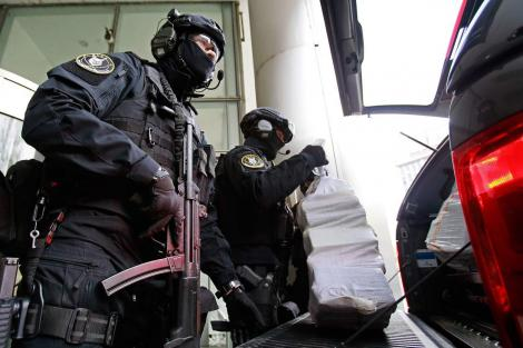 Cum au ajuns mai mulți minori să fie cercetați pentru amenințare teroristă! Apelurile lor au pus pe jar zeci de polițiști