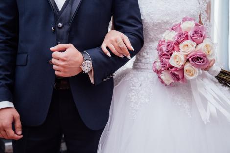 Klaus Iohannis anunță noi reguli pentru evenimentele private. Câte persoane vor putea participa la nunți sau botezuri după 15 iunie