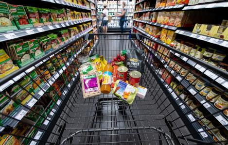 """Prețurile alimentelor vor exploda, în următoarea perioadă: """"Creșteri în lanț. Tot ce înseamnă carne de porc, pasăre, vită, lapte"""""""
