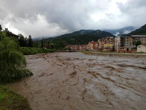 Apele Române, proiecte ce vizează lucrări de protecţie împotriva inundaţiilor, în valoare de peste 400 milioane de euro, propuse spre finanţare prin Axa 5