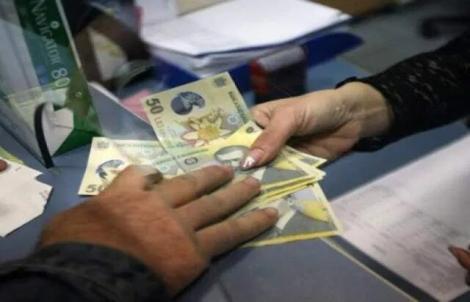 Val de scumpiri! Pe ce alimente au dat românii mai mulți bani în luna iunie