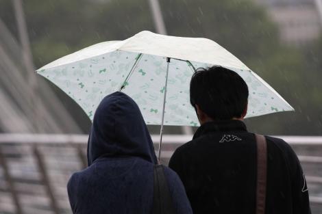 Meteorologii, anunț de ultimă oră! Jumătate din țară, măturată de ploi și vijelii, până luni dimineață