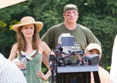 """Actriţa Kelly Preston, soţia lui John Travolta, cunoscută din filme ca """"Mischief"""" şi """"Jerry Maguire"""", a murit"""