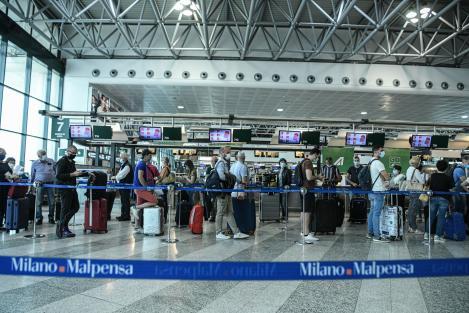 Noi state din Europa au închis granițele pentru români. Restricții de călătorie în 20 țări europene, dintre care 14 din UE