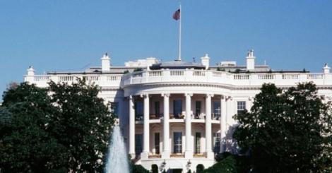 Portretele oficiale ale preşedinţilor Bill Clinton şi George W. Bush, mutate din holul de la intrarea în Casa Albă