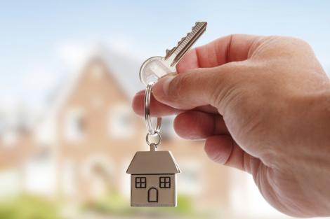 """Se schimbă condițiile pentru avansul la programul """"Noua casă"""". De ce tinerilor le va fi tot mai greu să-și cumpere o locuință"""