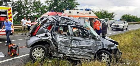 Accident grav în urmă cu puțin timp. Doi bărbați au murit pe loc, iar două fetițe, de 12, respectiv 13 ani, au fost rănite grav