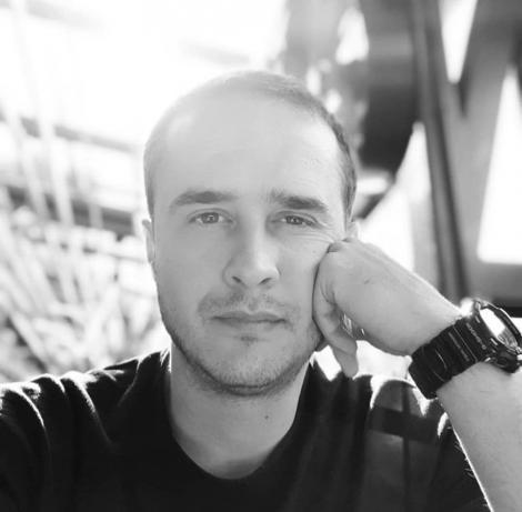 """Șerban Copoț, ipostaze în care nu ți l-ai fi imaginat vreodată! Ce face vedeta în timpul liber! """"Activități intelectuale de influencer cu pretenții""""   Video"""