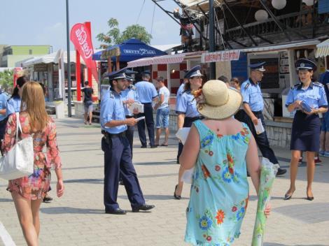 """Măsuri drastice pe litoral, după """"hora pandemiei"""" din stațiunea Mamaia. Sute de polițiști vor patrula în zonele frecventate de turști"""