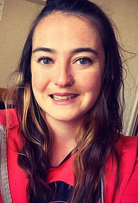"""O tânără de 27 de ani, pasionată de sport, a murit subit, în grădină, după ce a băut alcool pe stomacul gol: """"Nimic nu prevestea tragedia asta!"""""""