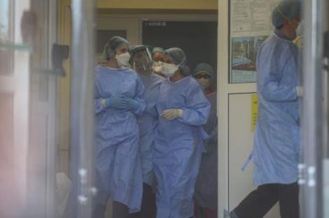 """""""Vă rugăm să ne ajutați sa oprim!"""" Medicii sunt îngrijorați: Peste 80 de nou-născuți au COVID și nu se știe cum s-au infectat"""