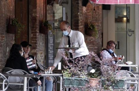 Restaurantele vor rămâne închise. Ministrul Economiei a precizat o posibilă dată limită pentru ridicarea restricției